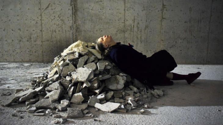 Η Εκταφή – Πεθαίνω σαν χώρα – σκηνοθεσία Ρούλα Πατεράκη στο Δημοτικό Θέατρο Πειραιά