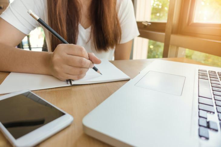 Χωρίς χρέωση από κινητά δίκτυα η πρόσβαση στις ψηφιακές πλατφόρμες για την εξ αποστάσεως εκπαίδευση των μαθητών