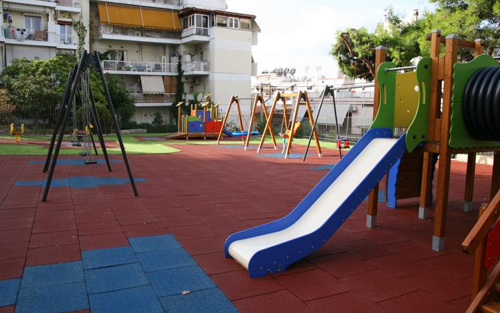Πλήρης ανακατασκευή δύο παιδικών χαρών στην Καστέλλα και στην Καλλίπολη από τον Δήμο Πειραιά