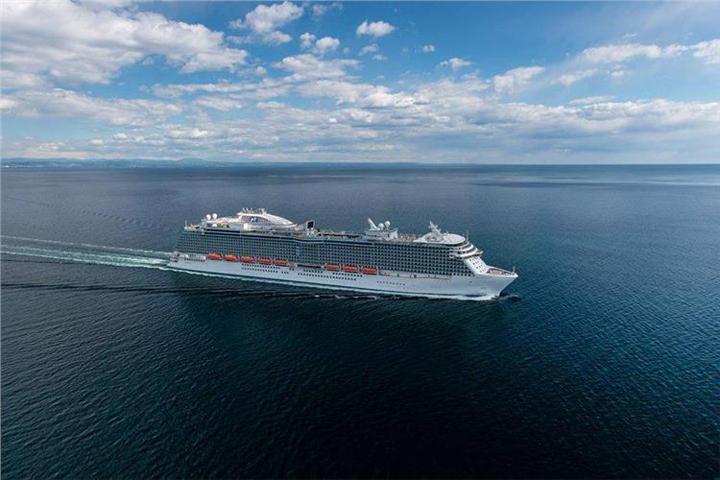 Στον Πειραιά το μεγαλύτερο κρουαζιερόπλοιο του κόσμου Regal Princess