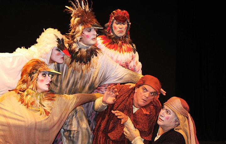 """""""Ιστορίες του παππού Αριστοφάνη"""" του Δημήτρη Ποταμίτη στο Βεάκειο Θέατρο Πειραιά"""