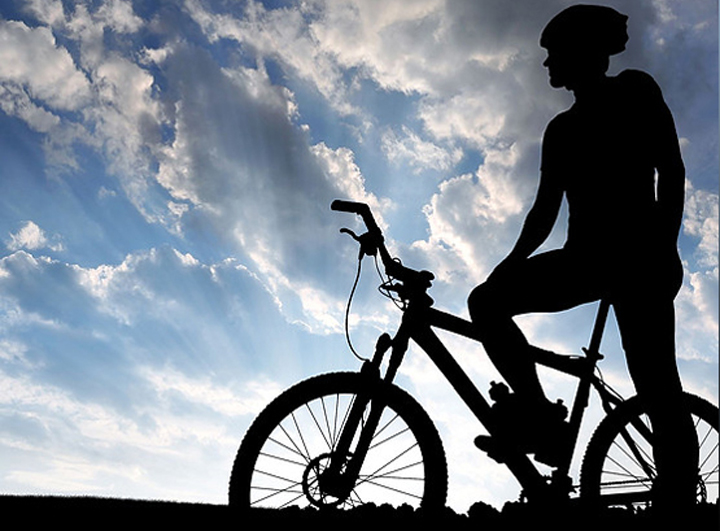 Ποδηλατοβόλτα… στον Πειραιά με θέα τη θάλασσα